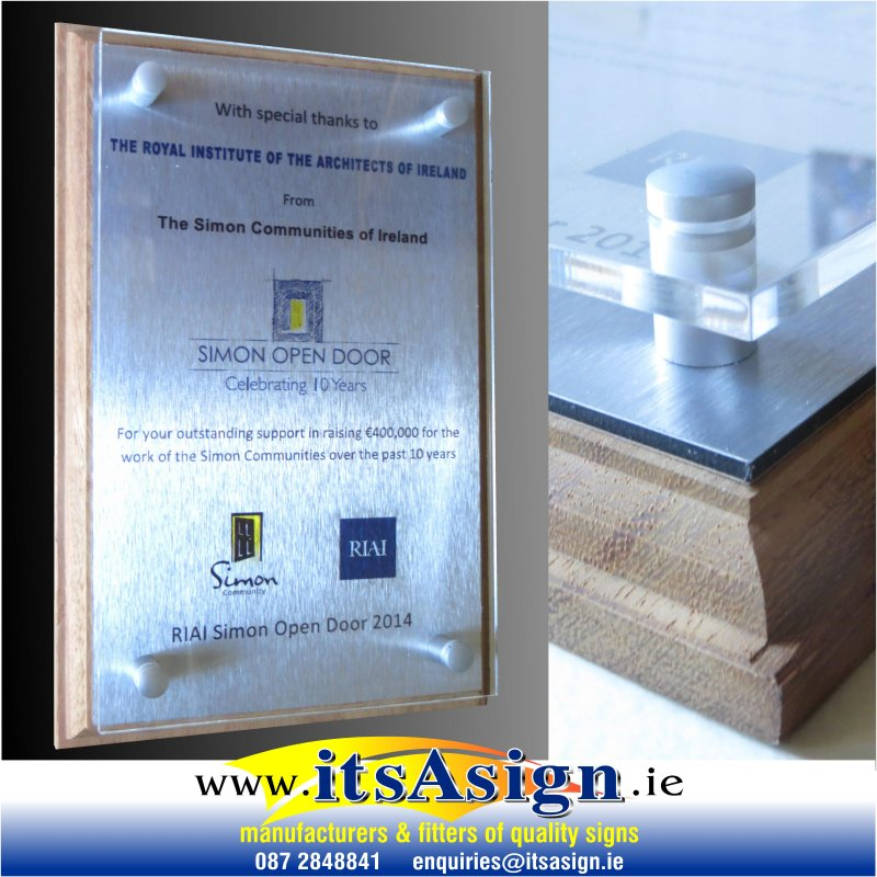 custom-made-plaque-for-presenttion